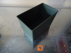 100 trapezoidal Storage boxes