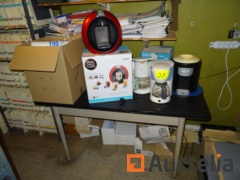2 Percolators, a DOLCE GUSTO KRUPS, a vending machine of water PRIMO