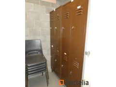 2 Wardrobe Cabinets 2 x 2 Doors, 2 double benches with Vanesch clothes rack