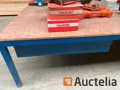 2 Work tables 490 X 250 cm