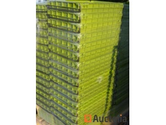 20 Bins CURTEC Plastic embodying and stackable with metal handle