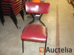 25 Metal base seated chairs in imitation leather