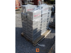 30 Storage boxes embo, plastic and stackable (lid)