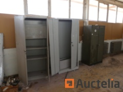6 metal cabinets