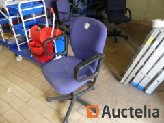 8 office chair with armrests Vitra