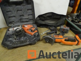 angle-grinder-cordless-18-v-in-black-decker-bcg720-percussion-drill-1058897G.jpg