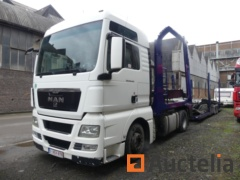 Car transporter with trailer