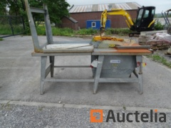Construction Circular saw AVOLA ZB 400-6 on table with 2 removable extensions