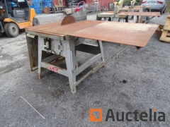 Construction Circular saw AVOLA ZB 400-6 on table with extension cords