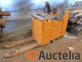 construction-material-and-wood-970796G.jpg