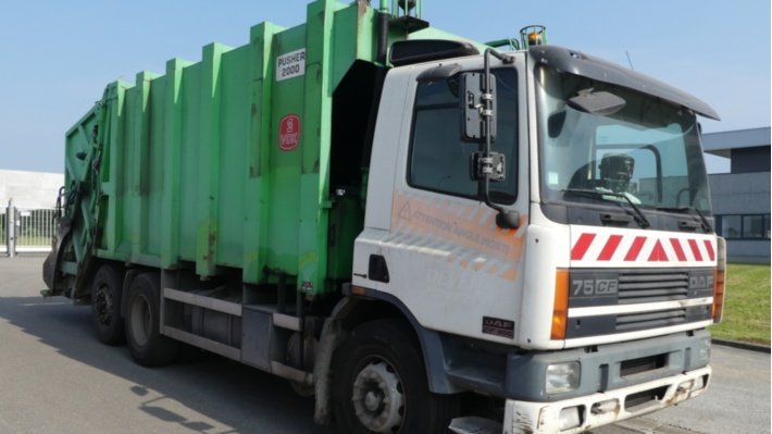 Container Truck and Garbage Truck