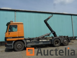 container-truck-mercedes-actros-95020-container-truck-2002-424133-km-748055G.jpg