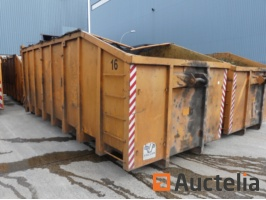 containers-735230G.jpg