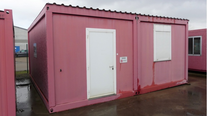 Containers, Clay Clinkers, Scaffolding