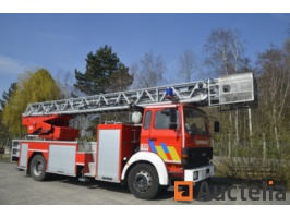 iveco-fire-truck-989135G.jpg