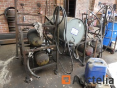 Metal trolley with gearbox oil pump