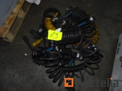 Pneumatic and electric hose for truck