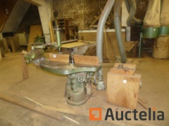 Spindle moulder with T. X Head Trainer