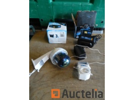 surveillance-camera-abuse-2-battery-chargers-18v-blucave-various-896759G.jpg