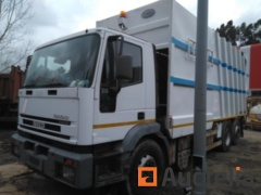 Truck IVECO 260E31Y/PS with lateral load - REF9 - No document