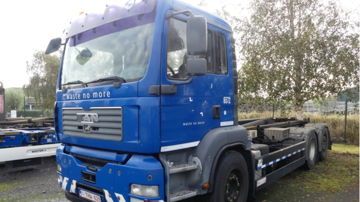 Used garbage trucks, container trucks and trailers