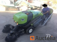 Vacuum sweeper Tennant Green Machine 424-HS - REF427