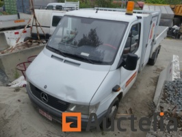 van-with-dumpster-mercedes-412-d-700061G.jpg