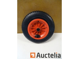 wheelbarrow-wheel-to-inflate-920732G.jpg