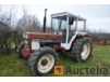 Tracteur agricole INTERNATIONAL 844 SBF